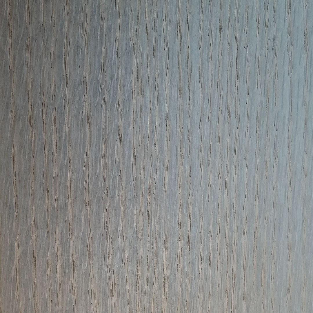 Chêne teinté taupe