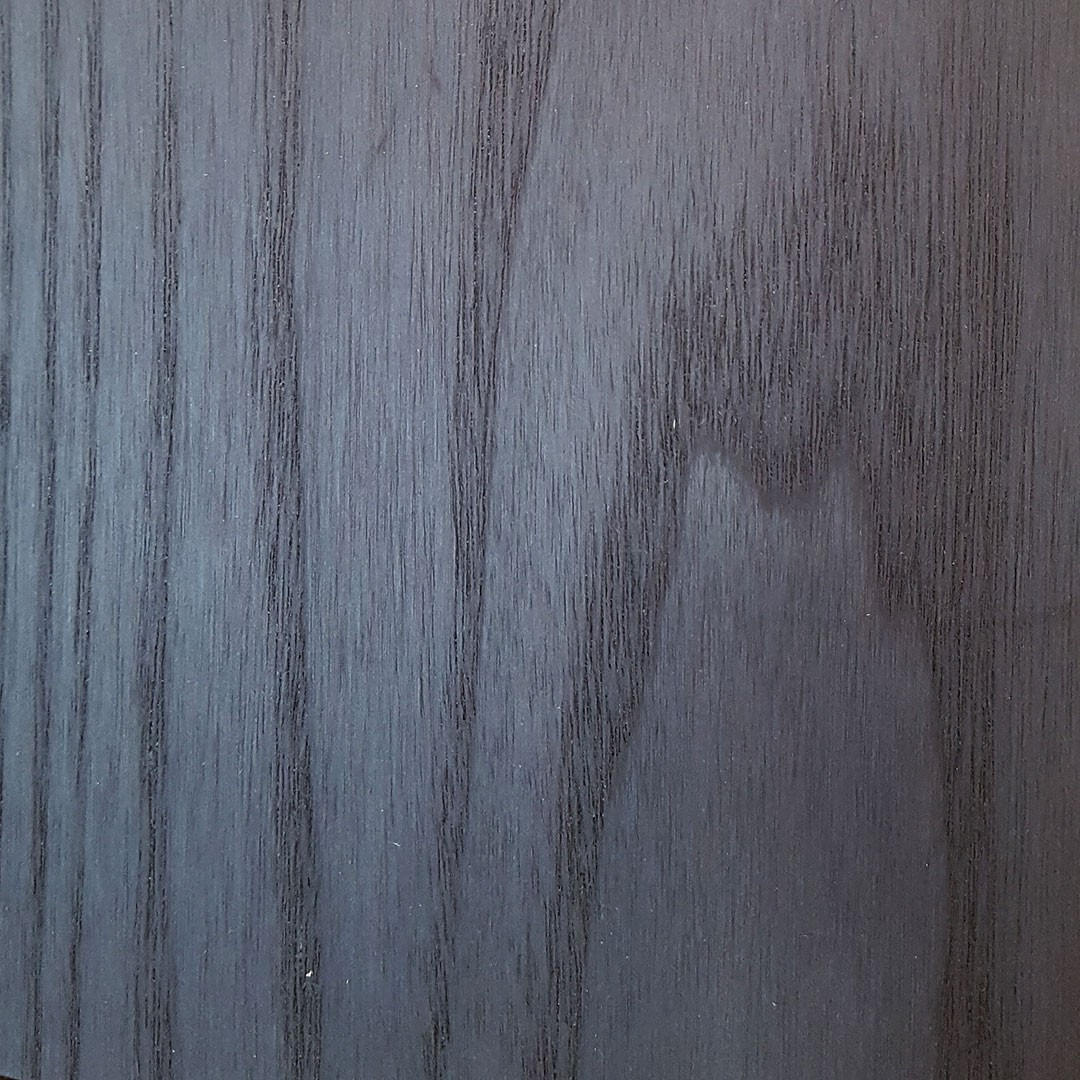Frêne ramageux teinté noir